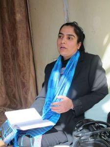 Malali Joya nella sua casa-nascondiglio di Kabul (ph Romina Gobbo)