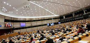 Il Parlamento europeo. In copertina: lavorazione del coltan in Congo