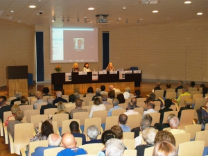 Da sinistra: Mariangela Rossini, presidente Fondazione Cesar onlus, e le giornaliste Anna Pozzi e Romina Gobbo