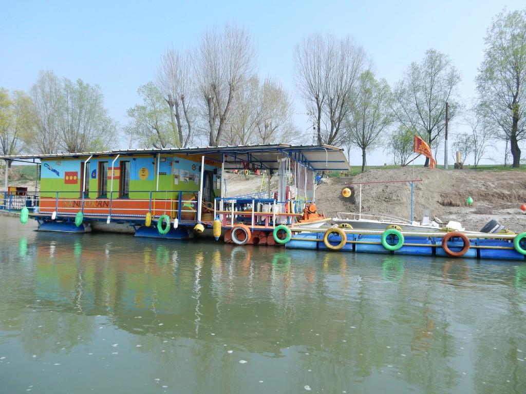 Imbarcazione di Sandokan per attraversamento del fiume Po (credits Luisa Dal Prà Fondazione Homo Viator-San Teobaldo)